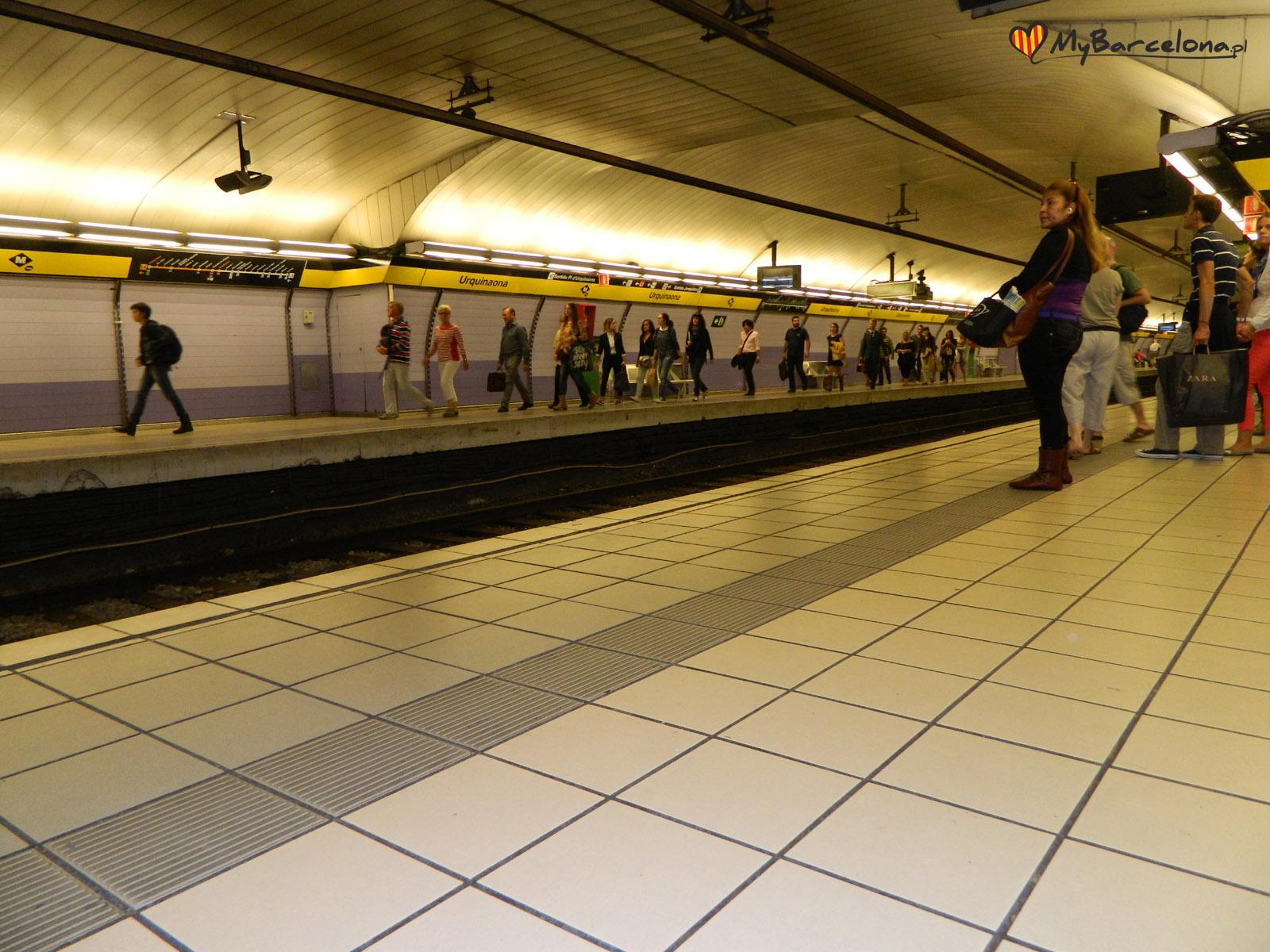 Stacja metra w Barcelonie