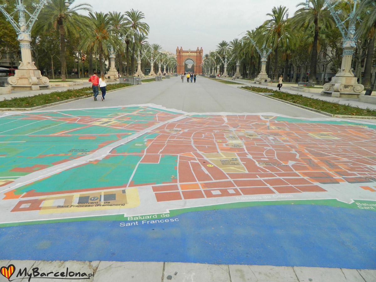 Plan Miasta na deptaku Arc de Triomf