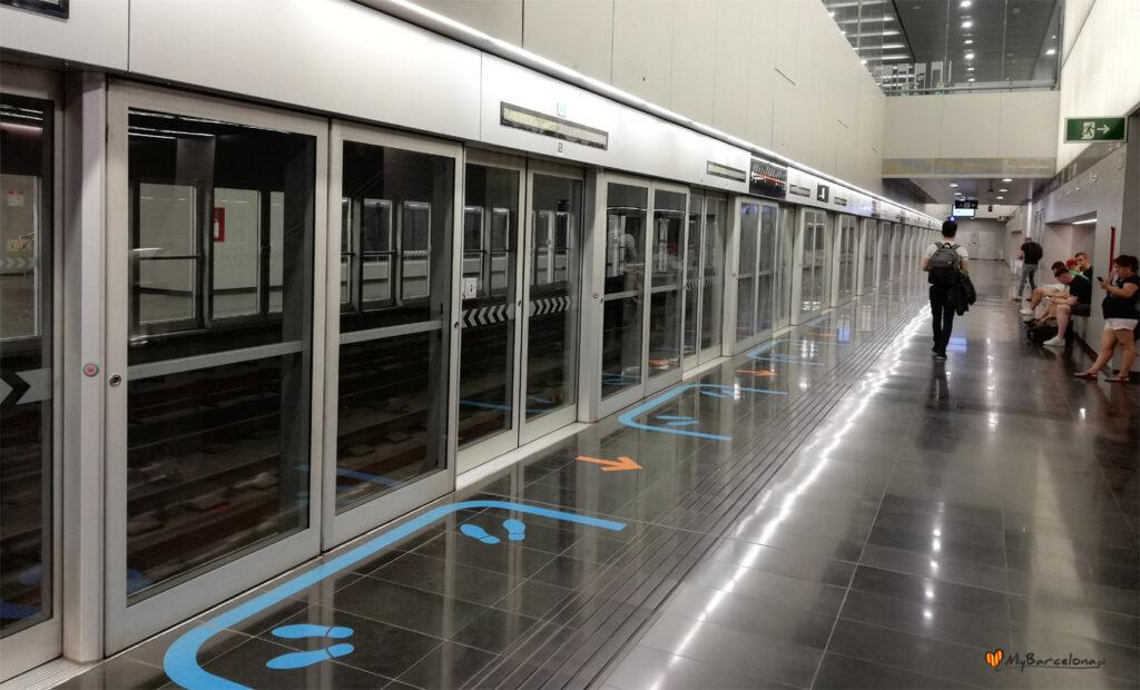 Stacja metra przy Terminalu 2 na lotnisku El Prat